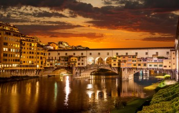 florence,venice,river arno,beautiful italy ,lights,buildings,old bridge,sunrise