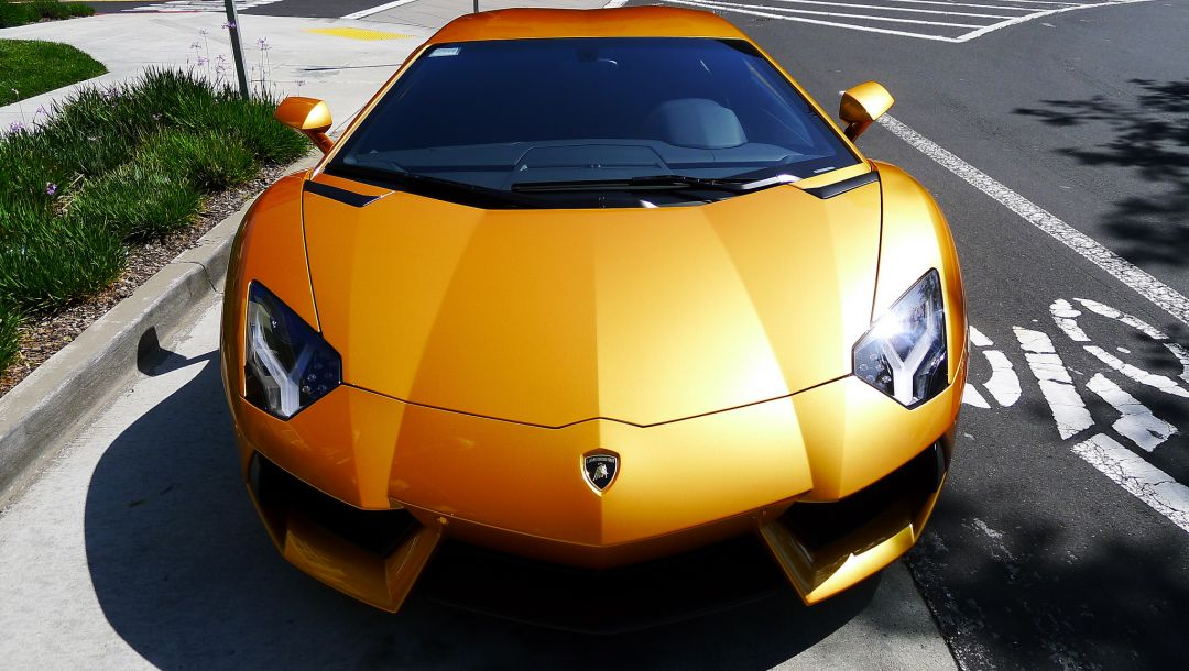 авентадор,yellow,Lamborghini