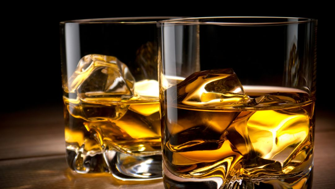 whiskey,alcohol,ice,glass