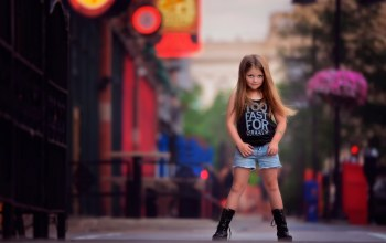 Looking like a big girl,Девочка,child photography,fashion,photography and style