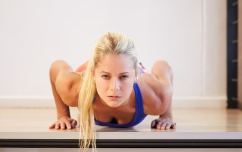 blonde,Pushups