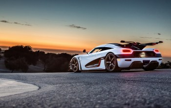 Track,Sunset,one:1,rear,White,koenigsegg,supercar