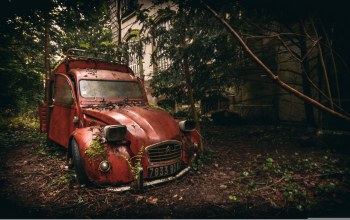 abandoned,Citroen,rusty,decaying