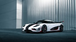 One,White,koenigsegg