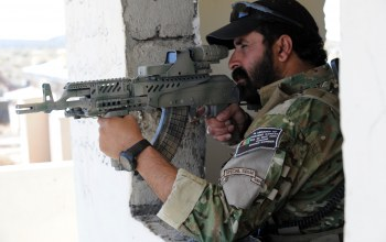aiming,modified amd-65,Afghan border police