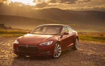 model s,Red,p85