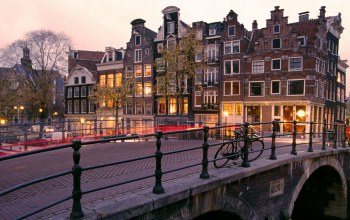 netherlands,Amsterdam,Prinsengracht and brouwersgracht canals