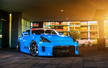 car,blue,Nissan 370z