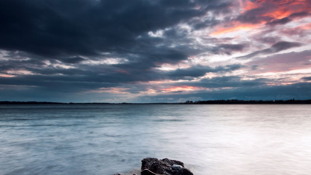 sky,clouds,швеция,evening,stones,coast,sweden