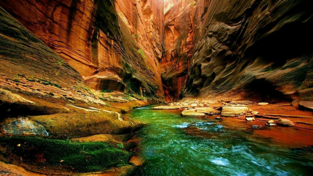 water,rock,cave,riachuelo