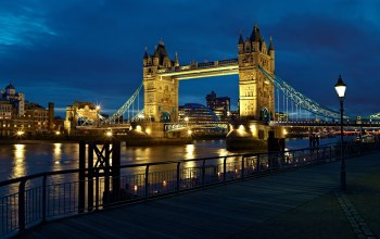 tower bridge,light,england,lantern,uk,thames,river,london