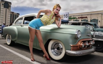 Pinup,Girls and Cars,classic