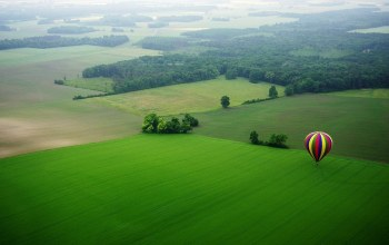 sky,fields,tree,balloon,fly