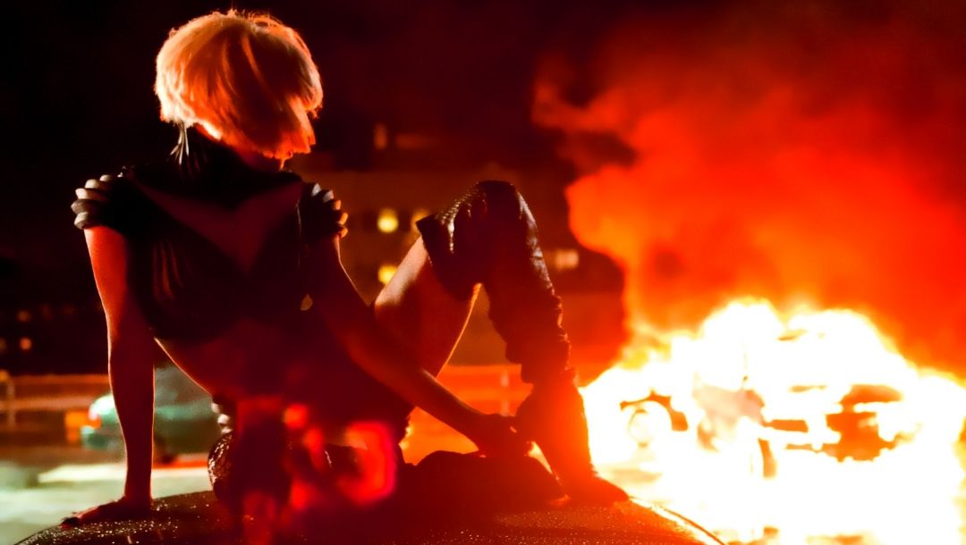 singer,blonde,music video,tatto,mother monster,Lady gaga,fire,body,heels