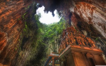 Malaysia,Temple In The Caves