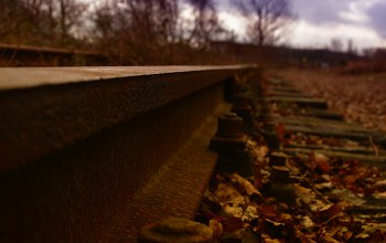railroad tracks,oxide,autumn