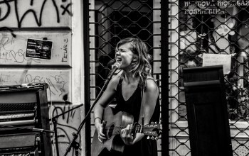 guitar street stage,piano,urban scene,stage,singer,singing,Music,musician