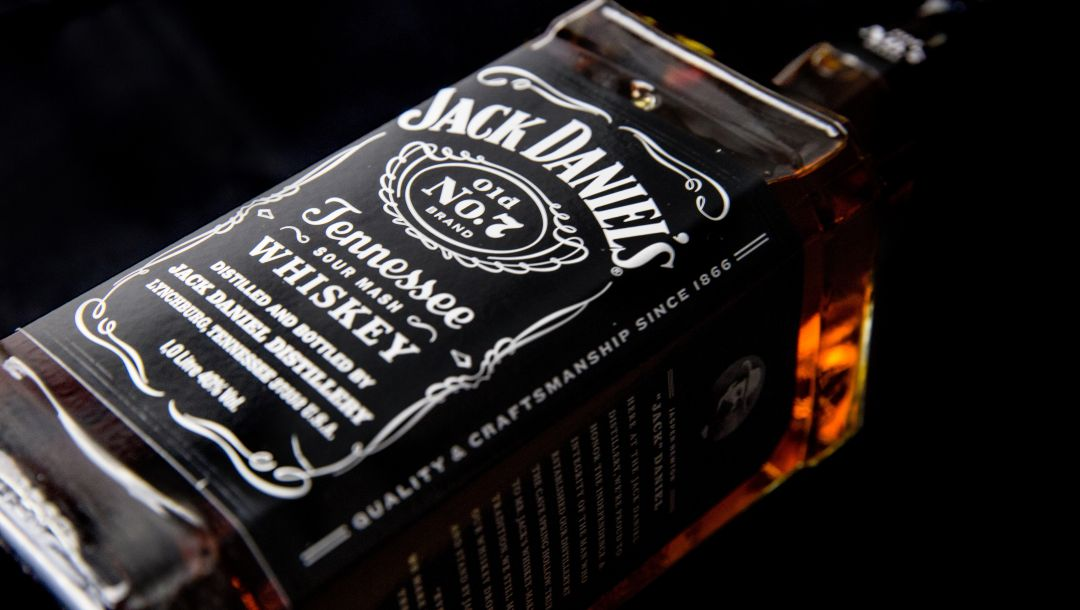One,glass,litre,Bottle,Uncle,jack daniels,jack,whiskey,бутылка,виски
