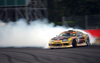 smoke,sportcar,competition