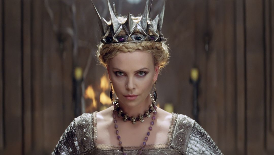 королева,злая,Шарлиз терон,скриншот,Белоснежка и охотник,snow white and the huntsman,charlize theron