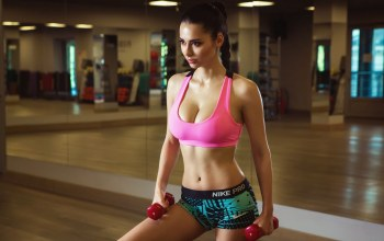 Зал,макияж,fitness model,Helga Lovekaty,косичка,шортики,гантели,поза,маечка,Nikolas Verano,...