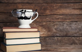 funny,cup,Mustache,очки,кружка,books,книги,кофе,cute,lips,glasses