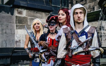 cosplay,dress,Assassin's Creed,Jessica nigri,Women,blonde,swords. pose,antique firearms