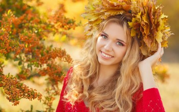 венок,leaves,make-up,a look,a smile,улыбка,осень,autumn,a wreath,макияж,girl,blonde