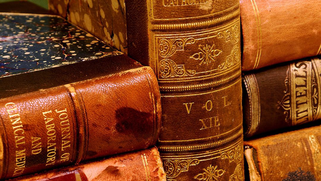 bookbinding,hard cover books,Red