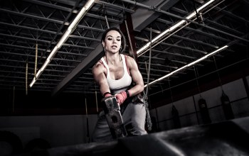 crossfit,woman,tire,rubber