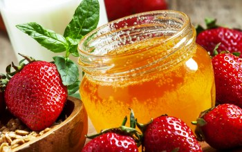 баночка,strawberries,клубника,мёд,honey,berries