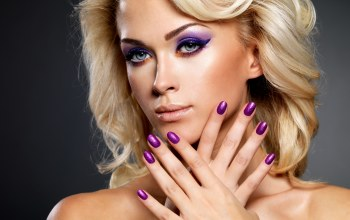 blonde,makeup,painted nails