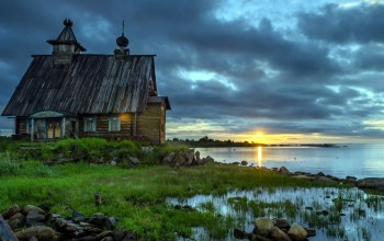 house,old,sky,grass,water