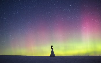 northern lights,wedding dress,woman,snow,Aurora borealis,winter