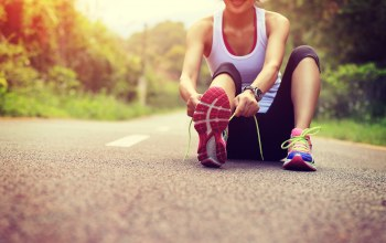 resting,tying the laces,jogging,running