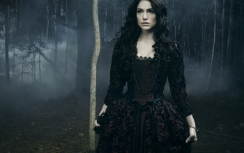 tv series,witch,Evil,emissary of evil,Mary Sibley,darkness,brunette,Salem,janet montgomery