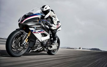 2017,Race Bike,Bmw