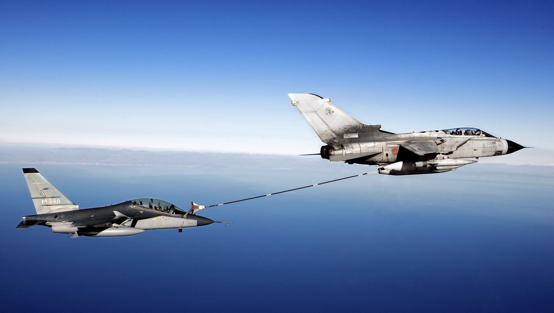 refueling,aircraft,fighter