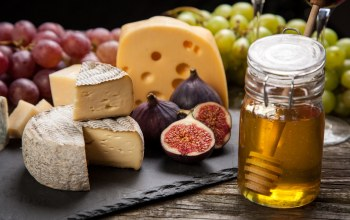 figs,honey,Grapes,инжир,сыр,cheese,мёд,виноград