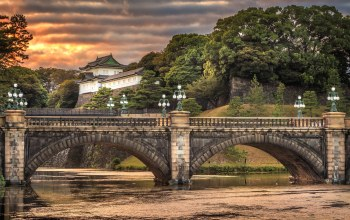 Япония,фонари,дворец,Imperial palace,Облака,Japan,nijubashi bridge
