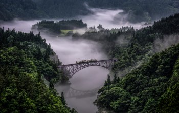 Tadami Line In Japan,поезд
