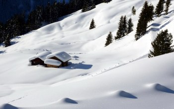 the slope,mountain,snow,домик,склон,the house