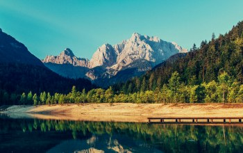 peak,river,mountains,sky