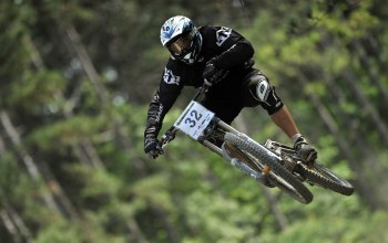 jumping,downhill,mountain,bike