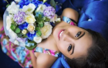 Bouquet,eyes,Face,girl,цветы,view