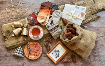 things,happy,wood,vintage,merry christmas,holiday celebration,xmas,шишки,decoration,рождество,елка,christmas,колокольчики,украшения