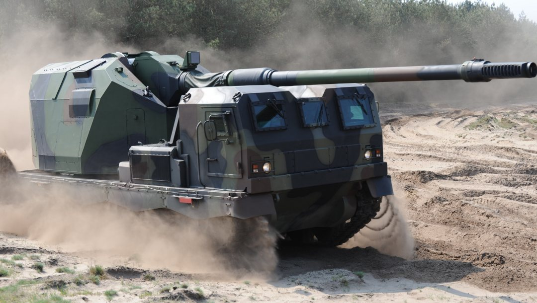 armored vehicle,armored,weapon,armed forces,military vehicle,war materiel,military power,070