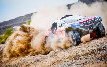 sport,ралли,Peugeot 2008 DKR,гонка,2008,dkr,Peugeot,фары,грязь,rally,занос