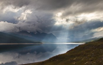 rays,gray,brown,blue,landscapes,clouds,water,lakes,mountains