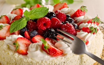 Strawberry,cake,food